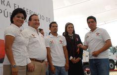 Javier Duarte de Ochoa, gobernador de Veracruz, calificó la entrega de estos camiones de volteo como un esfuerzo sin precedentes, pues complementarán y sustituirán a unidades con 23 años de servicio.