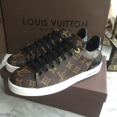 Louis Vuitton Lv woman man unisex shoes sneakers - Most Expensive Shoe Brands Louis Vuitton Sneakers Women, Luis Vuitton Shoes, Louis Vuitton Trainers, Lv Sneakers, Sneakers Fashion, Lacoste Sneakers, Yellow Sneakers, Casual Sneakers, Designer Shoes
