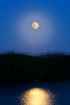✯ Super Moon Vibe