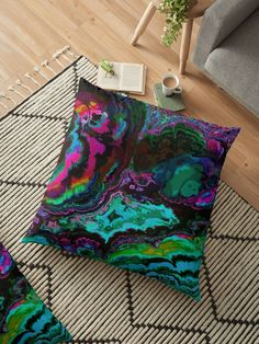 « Lave couleurs - Patchwork multicolore » par LEAROCHE Throw Pillows, Bed, Scrappy Quilts, Floor Cushions, Lava, Colors, Products, Toss Pillows, Cushions
