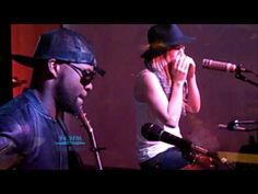 ▶ ZZ Ward - Hold On We're Going Home (acoustic KRVB) Drake cover - So soooo good.