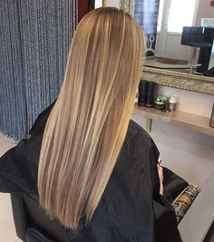 Frozen Hair Tutorial, You can collect images you discovered organize them, add your own ideas to your collections and share with other people. Honey Blonde Hair, Blonde Hair Looks, Brown To Blonde, Blonde Straight Hair, Long Brunette Hair, Warm Blonde, Medium Blonde, Hair Medium, Short Blonde