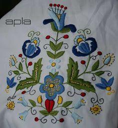 haft | Apla: Haft kaszubski Jacobean Embroidery, Folk Embroidery, Embroidery Dress, Embroidery Stitches, Embroidery Patterns, Polish Tattoos, Polish Folk Art, Indigenous Art, Whimsical Art