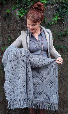 Crochet granny square pillow pattern baby blankets New Ideas Crochet Cushions, Crochet Quilt, Crochet Home, Love Crochet, Baby Blanket Crochet, Beautiful Crochet, Hand Crochet, Crochet Baby, Knit Crochet