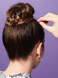 How to Do a Braided Ballerina Bun — the Cool-Girl Way – Pigtail Hairstyles Hairdo For Long Hair, Bun Hairstyles For Long Hair, Braids For Short Hair, Trending Hairstyles, Very Easy Hairstyles, French Braid Hairstyles, How To Bun, Braid Styles, Short Hair Styles