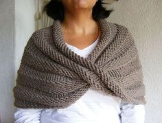Easy Mobius Capelet by Haley Waxberg - Free pattern - I need one of these for work when my shoulders and neck get cold since I sit under the vent!!