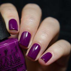 OPI - Pamplona Purple Eure Farbe oder nicht so eure Farbe? Ich bin mir nicht so sicher, aber die Qualität ist super! #OPI #pamplonapurple #opiobsessed #40opi