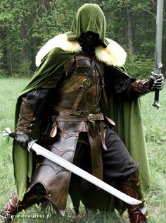 Drizzt Do-Urden cosplay. Fantasy Armor, Medieval Fantasy, Fantasy Weapons, High Fantasy, Fantasy Costumes, Cosplay Costumes, Larp, Drizzt Do Urden, Celtic