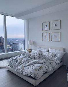 62 ideas for bedroom goals dream rooms layout Modern Bedroom Decor, Room Ideas Bedroom, Home Bedroom, Bedroom Inspo, Bedroom Designs, Bedroom Romantic, Bedroom Furniture, City Bedroom, Master Bedroom
