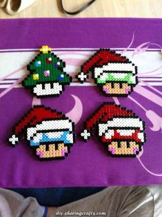 Decoration handmade in Hama, perler beads. Perler Bead Designs, Diy Perler Beads, Pearler Beads, Hama Beads Patterns, Beading Patterns, Pixel Art Noel, Bead Crafts, Diy Crafts, Christmas Perler Beads