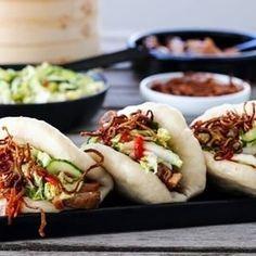 INDISK KYLLINGSUPPE MED EPLE, INGEFÆR OG CHILI | TRINES MATBLOGG Hot Dog Buns, Hot Dogs, Food Porn, Food And Drink, Chili, Homemade, Ethnic Recipes, Chile, Chilis