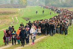 GDD das ist erst der anfang... http://www.focus.de/finanzen/news/1-000-000-000-000-top-oekonom-prophezeit-fluechtlingskrise-wird-uns-1-billion-euro-kosten_id_5110791.html  GDD Gestern um 09:09   Flüchtlinge kosten über 20 Mrd. allein 2015 - Zahlen die Angst machen! - Flüchtlinge nicht gut ausgebildet- Nahles-Hammer: Eine Million Hartz-IV-Empfänger mehr durch Flüchtlinge; - Zustrom hält weiter an  - Prognose 3-5 Millionen  GDD: Nein so schaffen wir das nicht Frau Bundeskanzlerin!