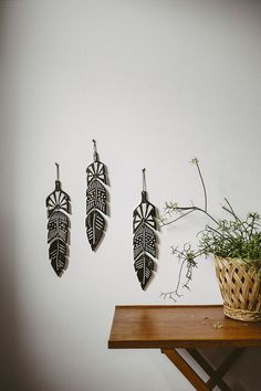 Ceramic feathers, wall deco