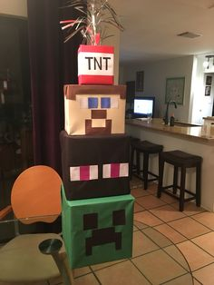 Minecraft party decorations DIY