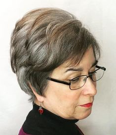 50 Gray Hair Styles Trending in 2020 - Hair Adviser Bob Hairstyles With Bangs, Hairstyles Over 50, Short Hairstyles For Women, Cool Hairstyles, Layered Hairstyles, Pompadour Style, Long Layered Cuts, Costume Noir, Salt And Pepper Hair