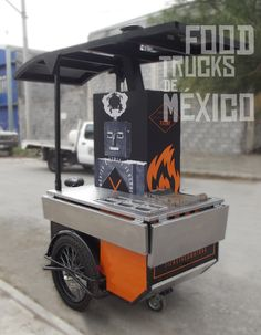 Dos barras abatibles para clientes. El Tizne. Food Trucks de México.