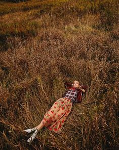 Elle Canada January 2018 Field of Dreams Photography Norman Wong Model Steph Smith Makeup Hair Susana Hong Stylist Veronique Delisle Fashion Direction Anthony Mitropoulo Art Direction Jed Tallo via Inspiration Photoshoot, Photoshoot Idea, Style Photoshoot, Fashion Photography Poses, Fashion Photography Inspiration, Editorial Photography, Dream Photography, Photography Ideas, Outdoor Portrait Photography