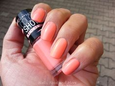 Nails, Food and More: Maybelline Bleached Neons LE - 242 Coral Heat