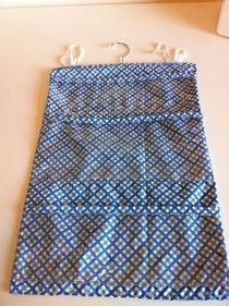 sewing diva: Hanging toiletries bag