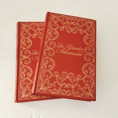 Angelique a La vols. complete vol 1 & Grande Amoureuses Seriesby Anne et Serge Golon. 1980 Opera Mundi publisherFrench / FrancaisHC red boards with gold giltBinding tight, no inscriptionsLike New France, Book Collection, The Ordinary, Red Gold, Opera, Books, Jun, Watch, Products