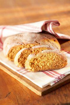 Juureslimppu | K-ruoka #joulu My Daily Bread, Christmas Bread, Bread Rolls, Winter Time, Bread Recipes, Dinner, Baking, Breads, Desserts