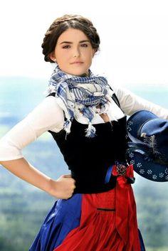 Michaela Keune ♥ #dirndls! #tracht
