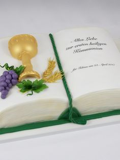 First Communion Cake Buch Book Erstkommunion Torte Boy Junge First Communion Cake Book Book First Communion Cake Boy Boy Boys First Communion Cakes, Boy Communion Cake, First Communion Party, Baby Shower Favors Girl, Bridal Shower Cakes, Bible Cake, Religious Cakes, Confirmation Cakes, Beautiful Cake Designs