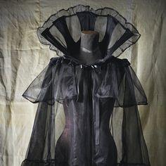 goes to ground high vampire collar costume Halloween prom Extra long tulle Cape Mist Gothic Victorian Vampire Elegant Burlesque black