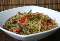13+1 kalóriaszegény ebéd fél óra alatt | NOSALTY Wok, Japchae, Spaghetti, Curry, Beef, Ethnic Recipes, Red Peppers, Meat, Curries