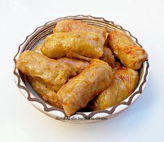 Sarmale cu ciuperci si orez - Bunătăți din bucătăria Gicuței Cabbage Rolls, Hand Pies, Chicken Wings, Snack Recipes, Food And Drink, Turkey, Meat, Healthy, Mariana