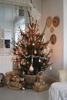 lovely tree, simple, so heartwarming