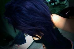 dark blue hair....damn this elusive color....I will achieve it one day!