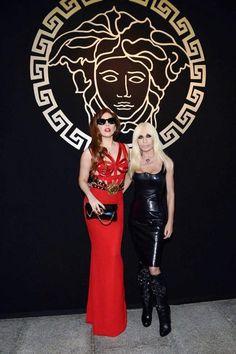 Lady Gaga podría ser la próxima imagen de la colección Primavera-Verano para la firma de moda Versace. ¡Entérate de todos los detalles a continuación! http://www.linio.com.mx/moda/?utm_source=pinterest&utm_medium=socialmedia&utm_campaign=MEX_pinterest___blog-fas_gagaversace_20131113_15&wt_sm=mx.socialmedia.pinterest.MEX_timeline_____blog-fas_20131113gagaversace15.-.blog-fas