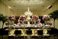 Mesa de bolo linda! Decoração de casamento em tons de rosa e azul hortênsia. Decoração: Edilayne Ferraz | Foto: Rejane Wolff