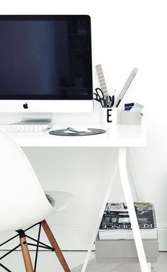 Via NordicDays.nl | White Home Office | Eames | Playtype | Mac