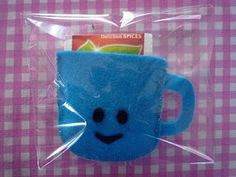 felt cup for tea bags - just the picture, link doesn't lead to anything