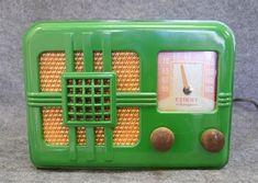 Little Green House, Radios, Antique Radio, Transistor Radio, Record Players, Retro Vintage, Vintage Green, Favorite Color, Knight
