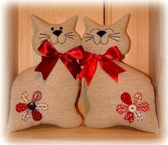 Подушка-кот - не просто спальная принадлежность, но и забавная игрушка, которая поднимет настроение и детям, и взрослым.