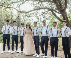 🤔Are you having Chambelanes, Damas, or both for your Quince? Quinceanera Court, Mint Quinceanera Dresses, Quinceanera Planning, Quinceanera Decorations, Quinceanera Ideas, Quince Pictures, Sweet 16 Pictures, Court Outfit, Sweet 16 Outfits