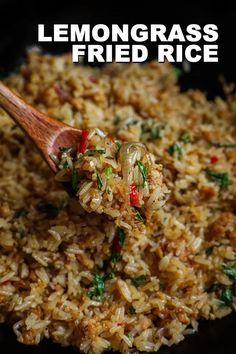 Fried Rice Recipe Chinese, Fried Rice Recipe Video, Vietnamese Fried Rice Recipe, Thai Street Food, Asian Recipes, Healthy Recipes, Ethnic Recipes, Lemongrass Recipes, Lemongrass Chicken Recipe