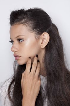 sikings: c-hanelism: Marina Nery beautiful Beauty Makeup, Hair Makeup, Hair Beauty, Makeup Lips, Dewey Makeup, Marina Nery, Long Lasting Makeup, Blond, Portraits