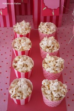 The pink ballet party: popcorns in cupcakes holder