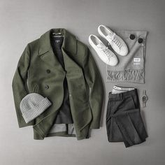 Outfit grid - Green peacoat
