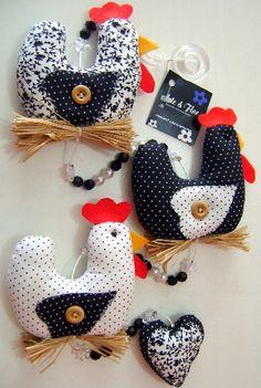 móbile de galinhas em tecido R$35,00