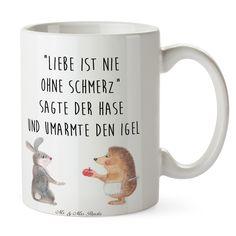 """Tasse Liebe ist nie ohne Schmerz aus Keramik Weiß - Das Original von Mr. & Mrs. Panda. Eine wunderschöne Keramiktasse aus dem Hause Mr. & Mrs. Panda, liebevoll verziert mit handentworfenen Sprüchen, Motiven und Zeichnungen. Unsere Tassen sind immer ein besonders liebevolles und einzigartiges Geschenk. Jede Tasse wird von Mrs. Panda entworfen und in liebevoller Arbeit in unserer Manufaktur in Norddeutschland gefertigt. Über unser Motiv Liebe ist nie ohne Schmerz """"Liebe ist nie ohne Schmerz"""""""