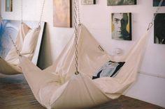 Geen zitzak, geen hangmat, maar een zitzak-hangmat | roomed.nl