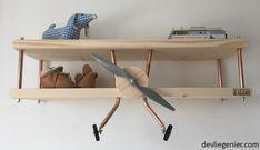kinderkamer blank hout vliegtuig wandplank voorkant 2 1000-576 watermerk - devliegenier.com