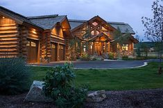 Handcrafted log home located in Teton Springs, Idaho at the foot of the Teton Range. Design and production by PrecisionCraft Log and Timber Homes. Log Cabin Living, Log Cabin Homes, Log Home Plans, Cabin Plans, Timber Frame Homes, Timber House, Small Log Cabin Kits, Residential Log Cabins, Small Cabin Interiors