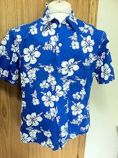 Hawaiian Fishing Men's Shirt Large Ui-Maikai Brand Hibiscus Vintage