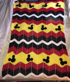 Mickey mouse Ripple Toddler afghan Mickey Mouse Blanket, Mickey Mouse Room, Crochet Mickey Mouse, Crochet Disney, Minnie Mouse, Crochet Afghans, Crochet Blankets, Baby Blanket Crochet, Baby Blankets